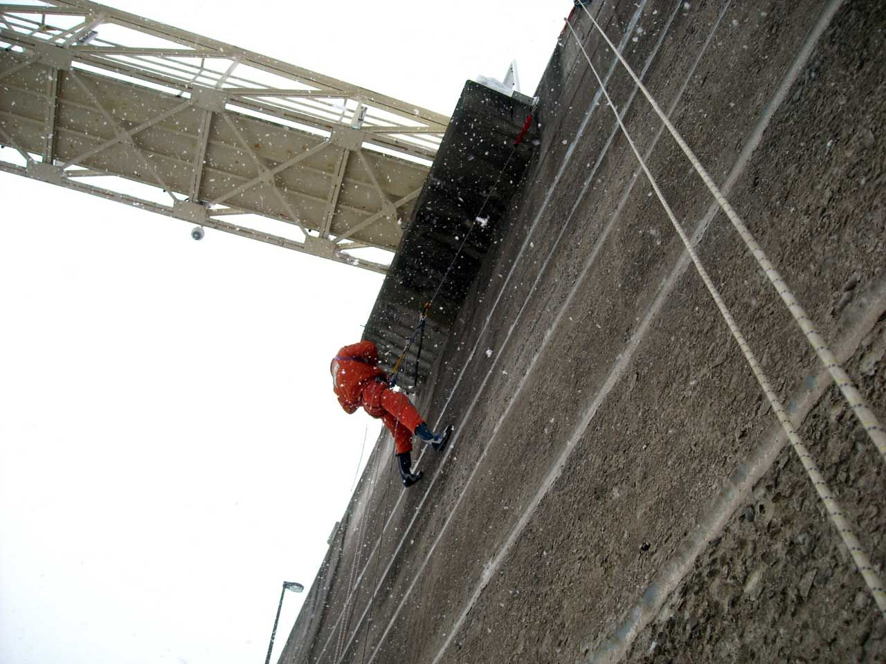 Bridge inspection in rope access
