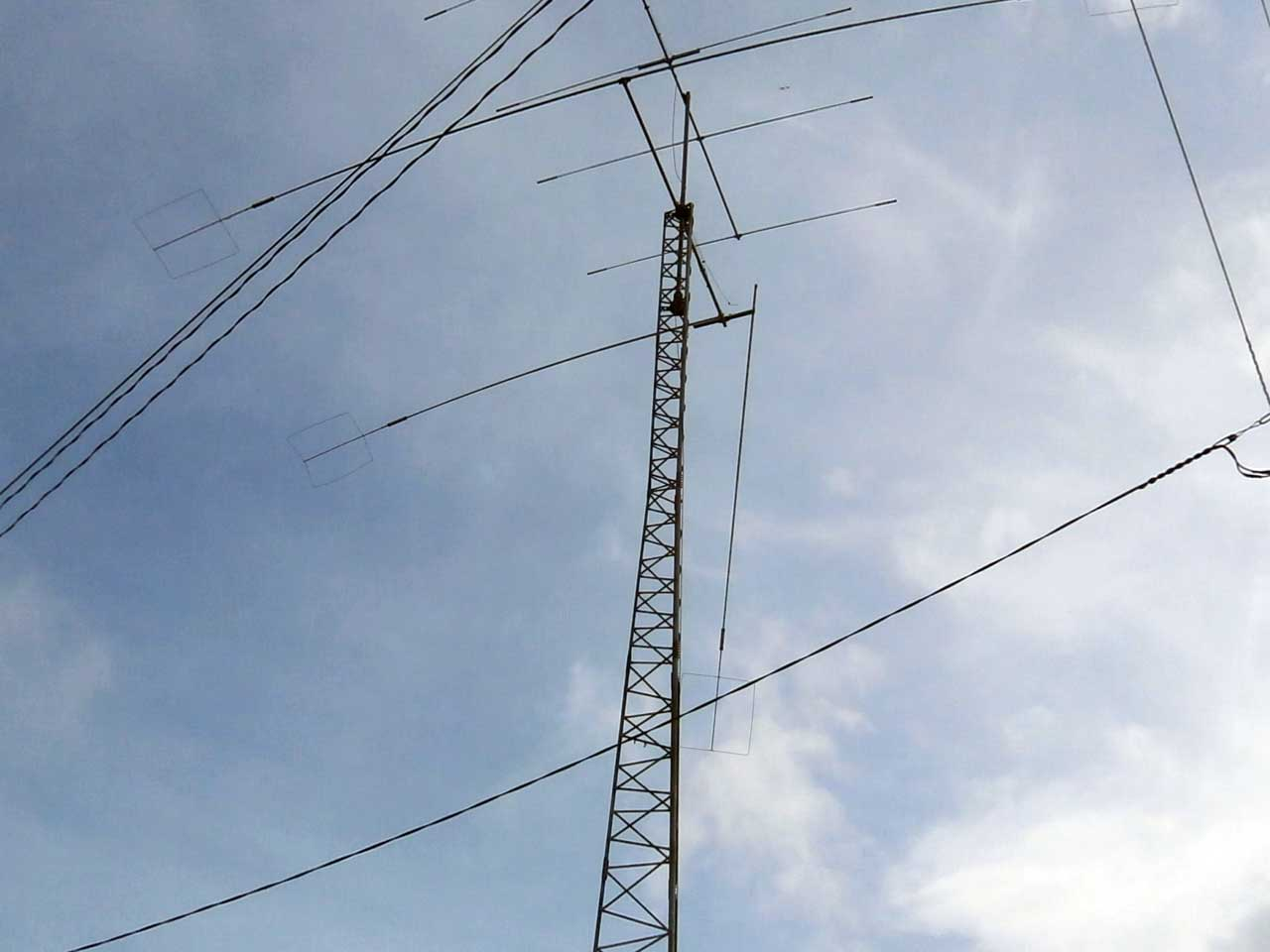エレメントが折れたアマチュア無線の危険なアンテナ