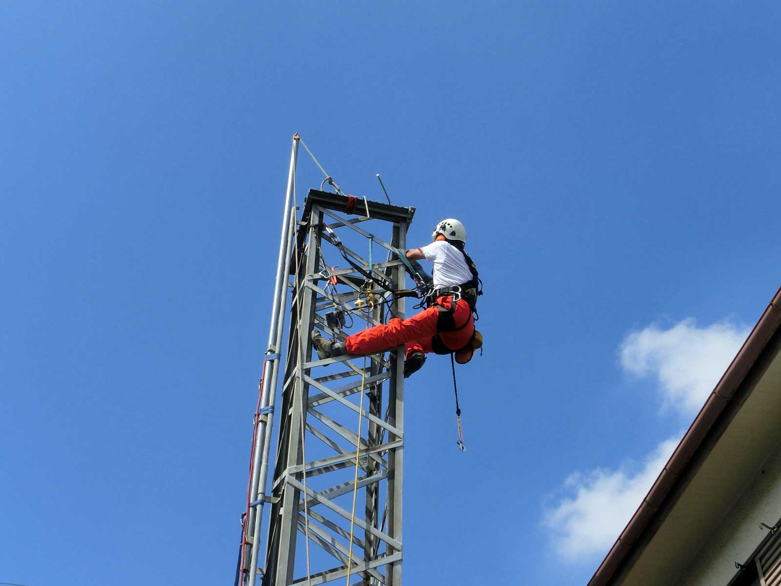 大阪府堺市のクランクアップタワー解体・撤去工事