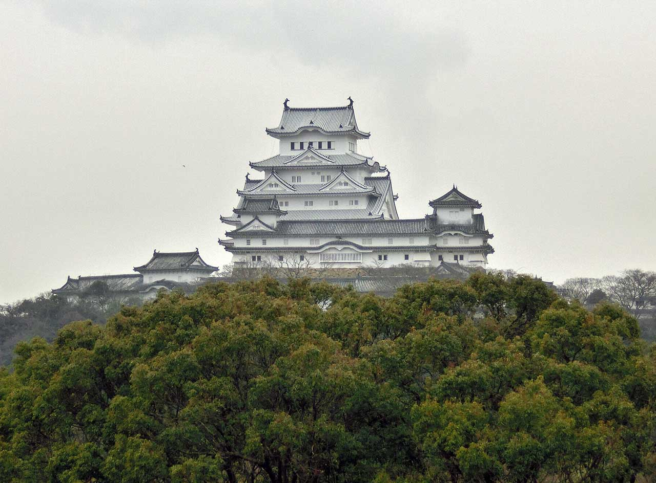 兵庫県姫路市のアマチュア無線のアンテナ鉄塔撤去工事で見た姫路城(白鷺城)。
