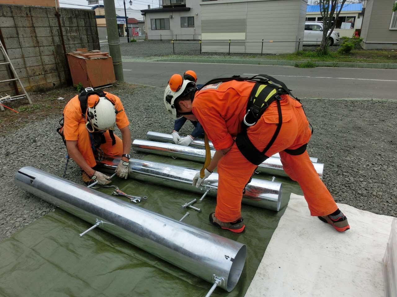 パンザマストの建柱工事。北海道厚岸郡厚岸町
