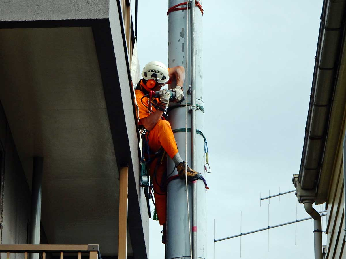 東京都杉並区でのアマチュア無線鉄塔撤去工事