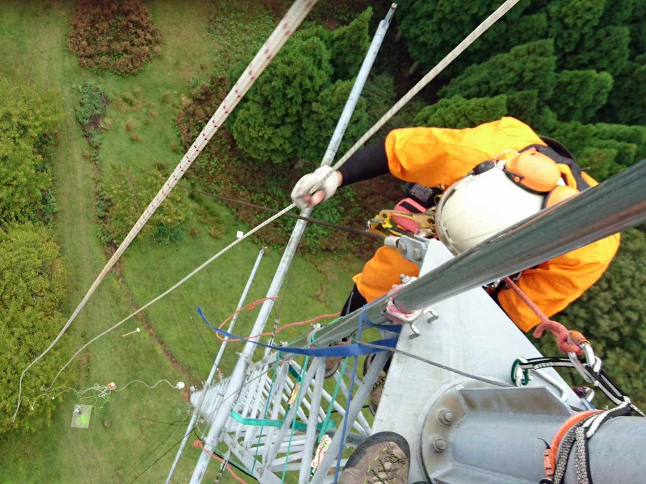 高さ60mの支線式 風況観測タワーの撤去工事:福井県若狭市