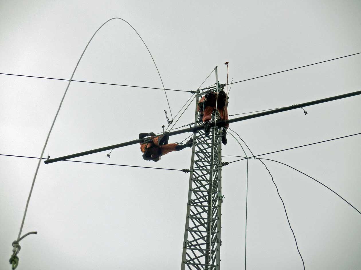 福井県若狭市で風況観測鉄塔(ウィントラス)の解体撤去工事: