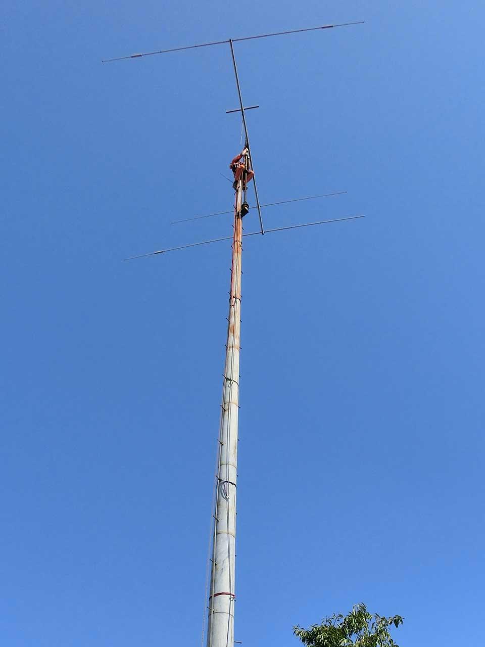 撤去可能な鉄塔:パンザマスト