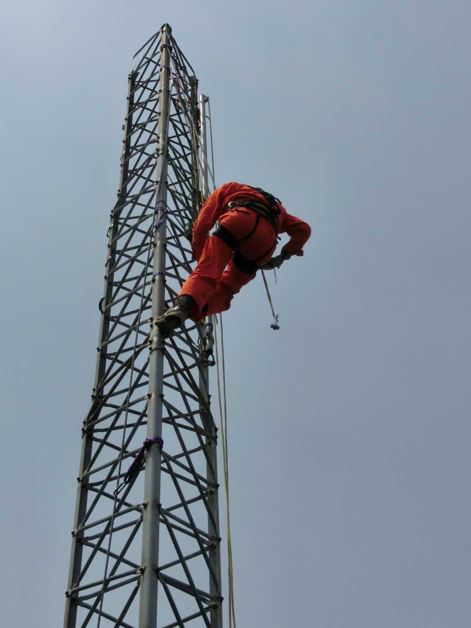 撤去可能な鉄塔:アルインコタワー