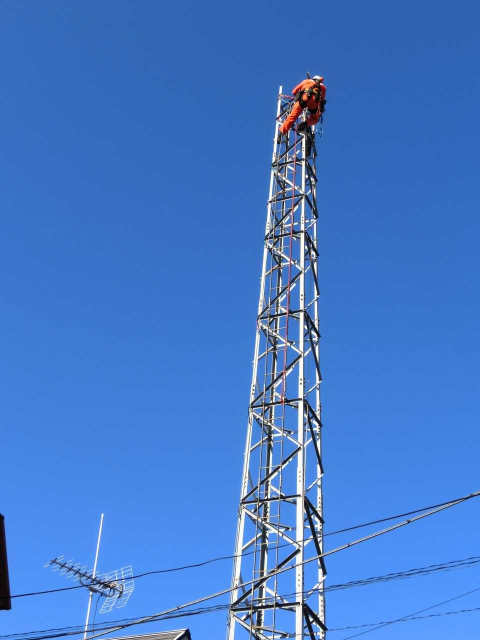 撤去可能な鉄塔:DXタワー